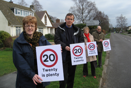 Sandra Gidley, Martin Tod, Pam Holden-Brown, Alan Broadhurst campaigning for 20 mph limit in Chandler's Ford