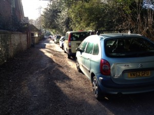 Row of cars in Links Road during the school run